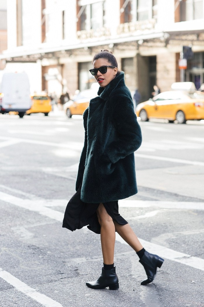 Faux fur green coat to enhance your winter look