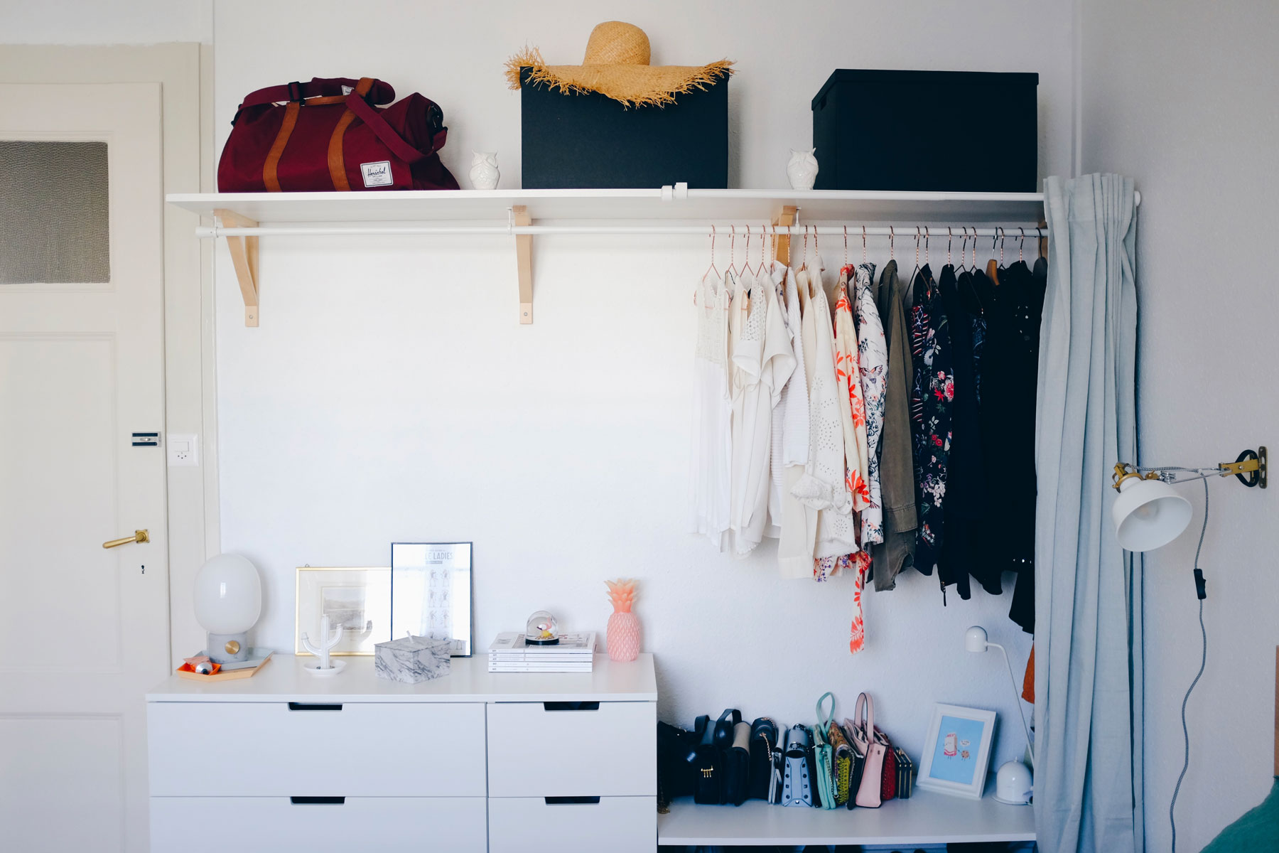 Creating Extra bedroom Storage Space With This Open ...
