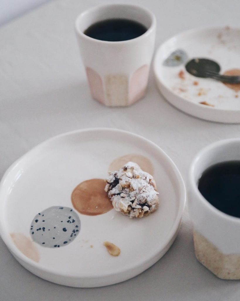 Ceramic Studio Maitoinen - dessert plate with coffee mug