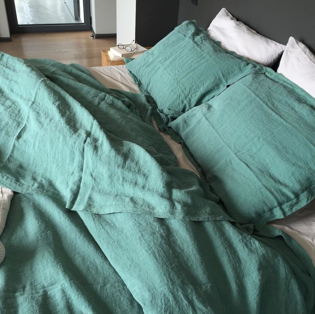 linen sheets from oona sage green