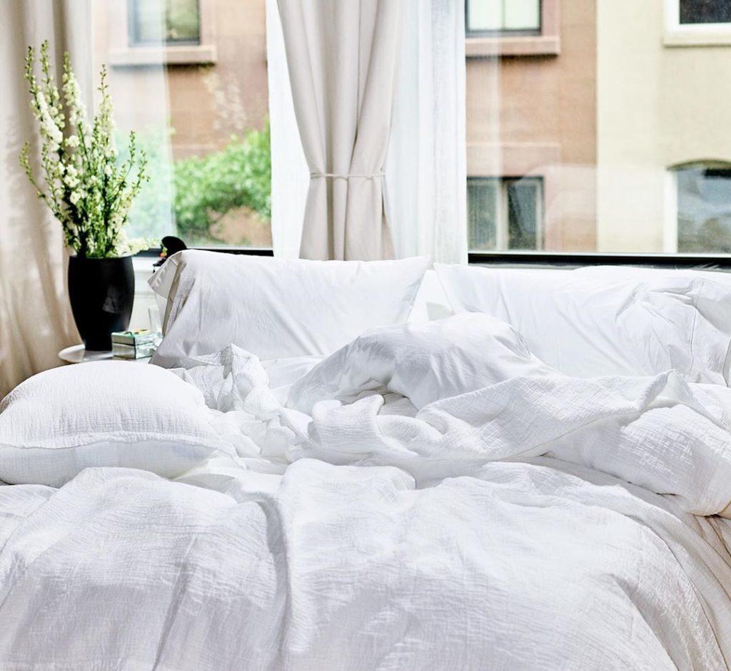 shite linen sheets by Snowe